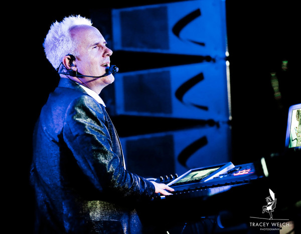 HowardJones_w